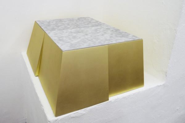 Angelo-Sarleti-Basement-or-about-G-SIFI-2016-legno-foglia-oro-carta-30x76x60cm-Courtesy-Galleria-Six-e-dellartista